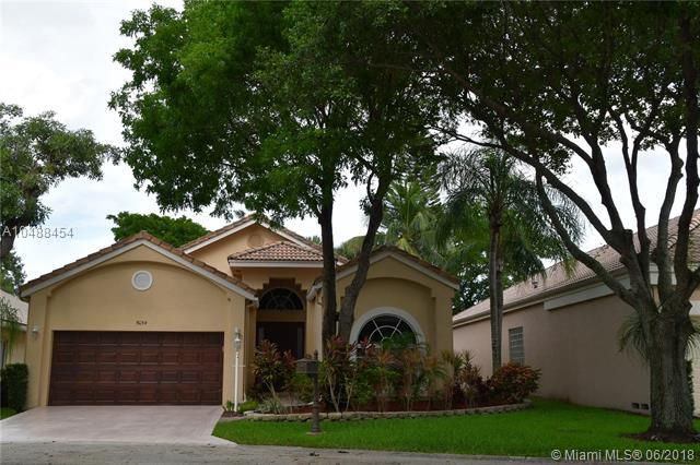 5054 NW 95th Dr, Coral Springs, FL 33076 (MLS #A10488454) :: Melissa Miller Group