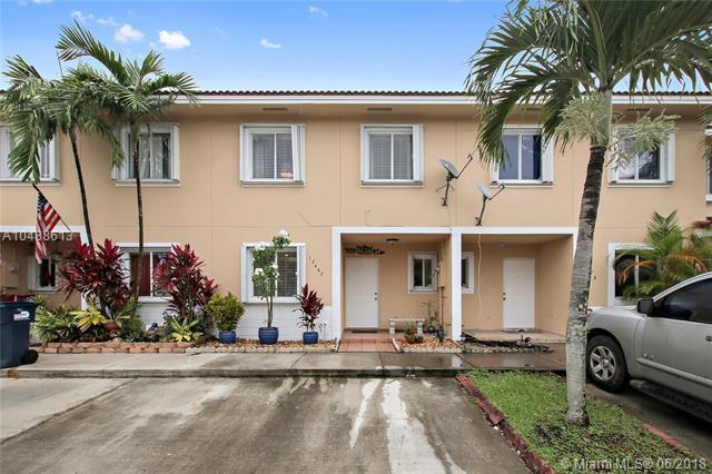 17467 SW 140th Ct, Miami, FL 33177 (MLS #A10488613) :: Calibre International Realty