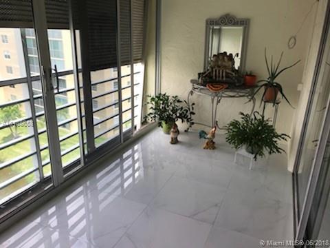 321 SE 3rd St #605, Dania Beach, FL 33004 (MLS #A10488658) :: Green Realty Properties