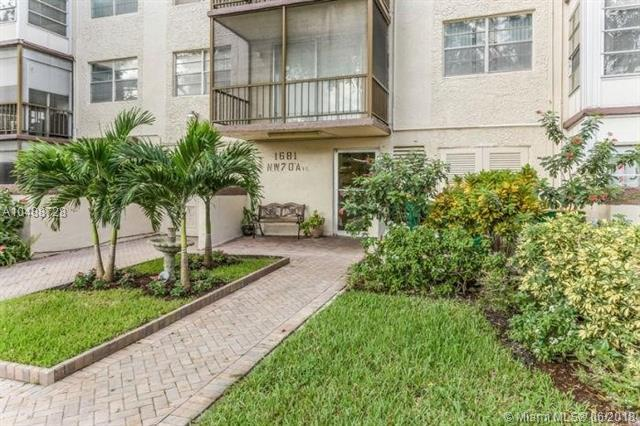 1681 NW 70th Ave #216, Plantation, FL 33313 (MLS #A10488728) :: Calibre International Realty