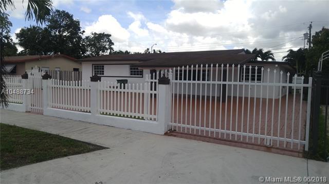 760 W 74th Pl, Hialeah, FL 33014 (MLS #A10488734) :: Calibre International Realty