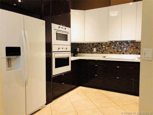 3500 Oaks Clubhouse Dr #506, Pompano Beach, FL 33069 (MLS #A10488833) :: Prestige Realty Group