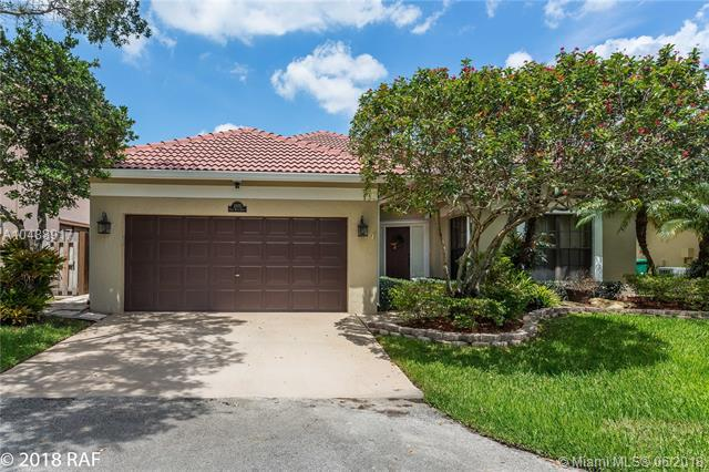 2975 E Budd Dr, Cooper City, FL 33026 (MLS #A10488917) :: Green Realty Properties