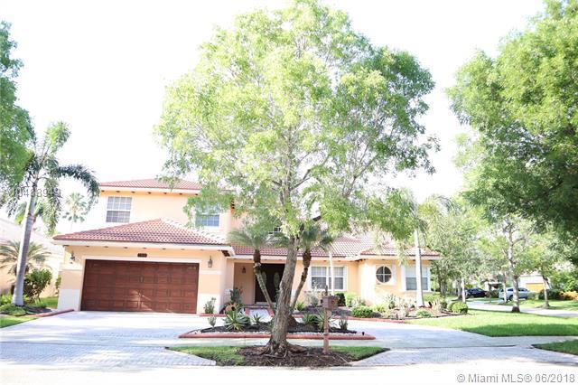 199 Fairmont Way, Weston, FL 33326 (MLS #A10488949) :: Green Realty Properties