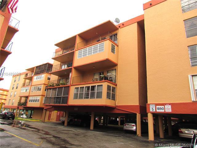 1890 W 56th St #1422, Hialeah, FL 33012 (MLS #A10489028) :: Calibre International Realty