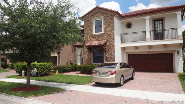 628 SE 37th Pl, Homestead, FL 33033 (MLS #A10489112) :: Green Realty Properties