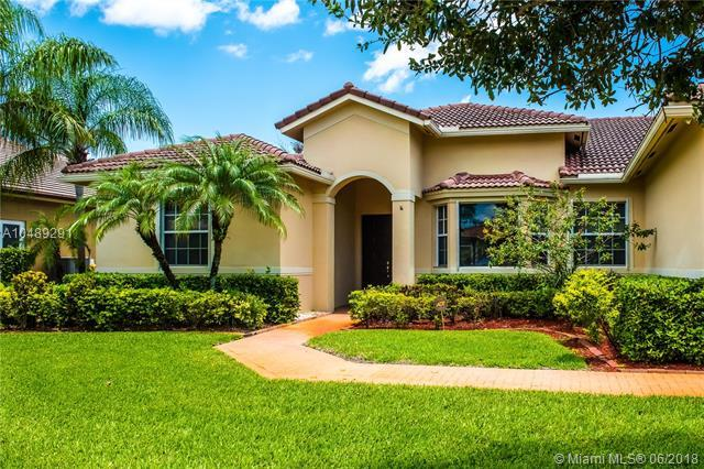 15961 SW 5th St, Pembroke Pines, FL 33027 (MLS #A10489291) :: Green Realty Properties