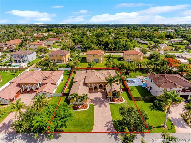 12917 SW 197th St, Miami, FL 33177 (MLS #A10489495) :: Prestige Realty Group