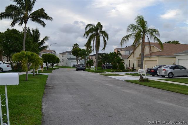 3090 Thames Way, Miramar, FL 33025 (MLS #A10489592) :: Green Realty Properties