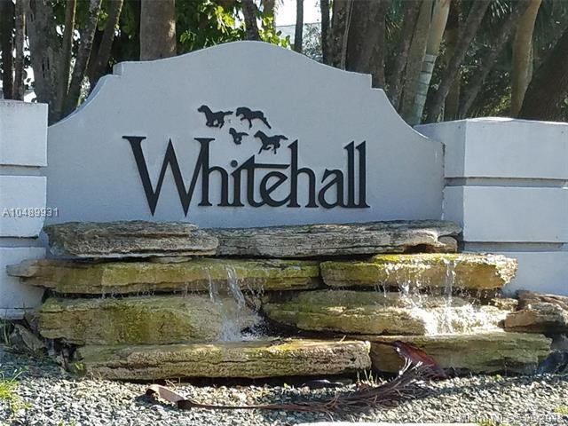 1516 Whitehall Dr #403, Davie, FL 33324 (MLS #A10489931) :: Green Realty Properties