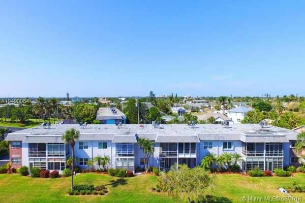 1176 Bayshore Dr #101, Fort Pierce, FL 34949 (MLS #A10490054) :: Green Realty Properties