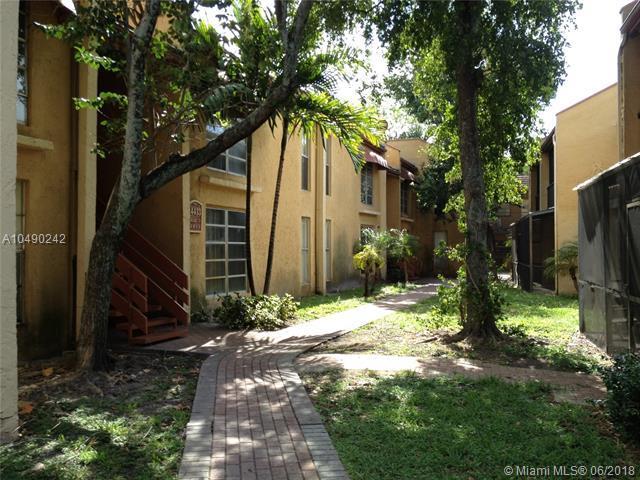4429 Treehouse Ln B, Tamarac, FL 33319 (MLS #A10490242) :: Green Realty Properties