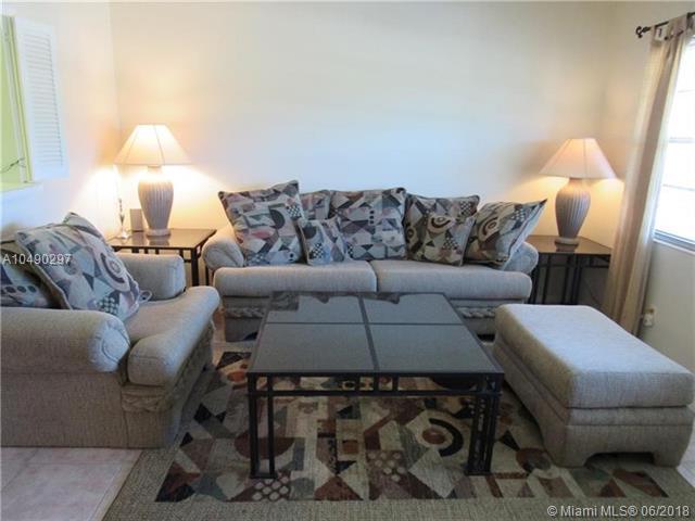 32 N Ventnor B #32, Deerfield Beach, FL 33442 (MLS #A10490297) :: Green Realty Properties