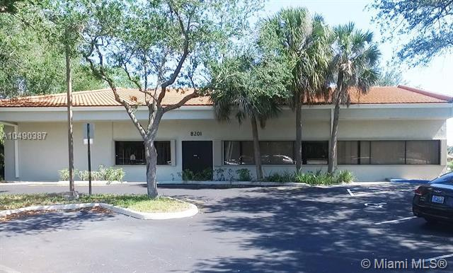 8201 W Mcnab Rd, Tamarac, FL 33321 (MLS #A10490387) :: Prestige Realty Group
