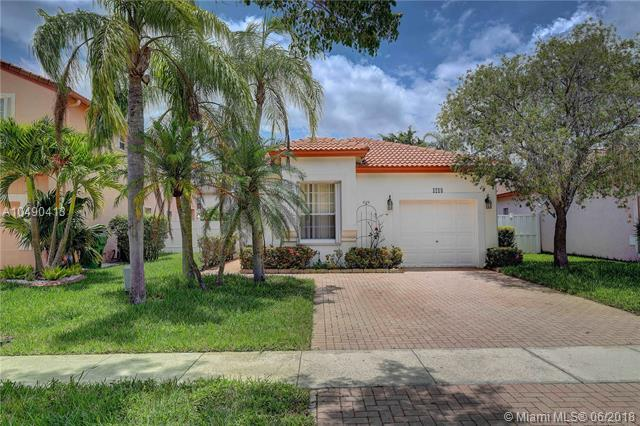 1218 NW 192nd Ter, Pembroke Pines, FL 33029 (MLS #A10490413) :: Prestige Realty Group