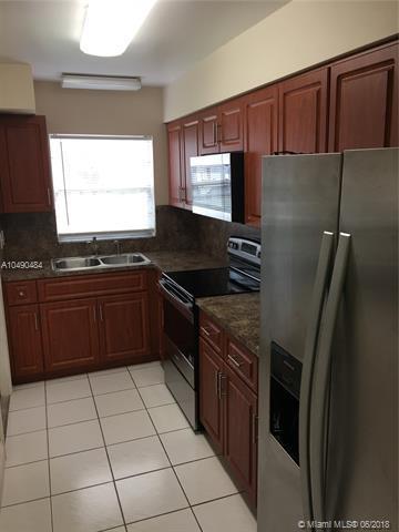 160 NE 8th Ave 8A, Hallandale, FL 33009 (MLS #A10490484) :: Prestige Realty Group