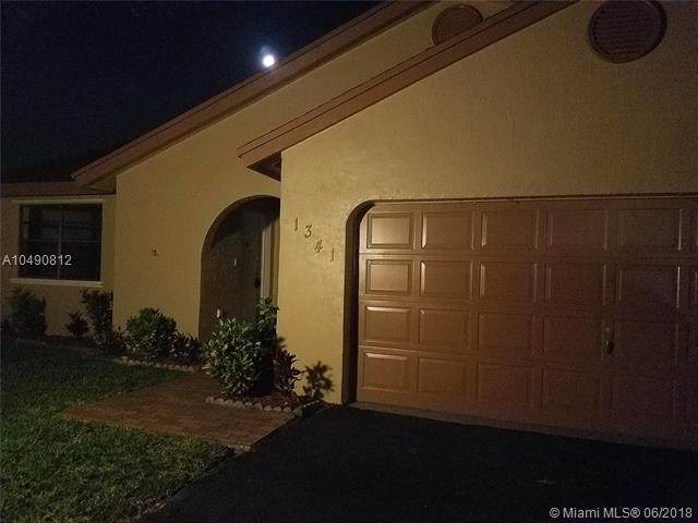 1341 SW 151st Ave, Sunrise, FL 33326 (MLS #A10490812) :: Castelli Real Estate Services
