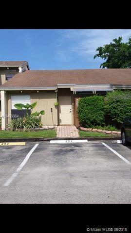8016 SW 21st Ct, Davie, FL 33324 (MLS #A10490884) :: Green Realty Properties