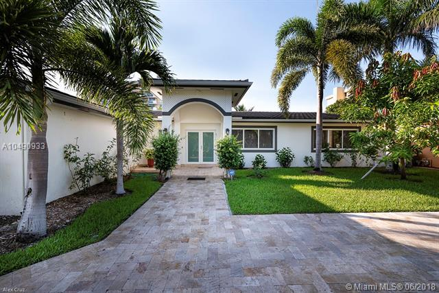 2105 Arch Creek Dr, North Miami, FL 33181 (MLS #A10490933) :: Green Realty Properties