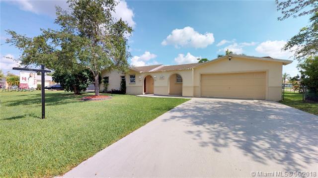 15801 SW 284th St, Miami, FL 33033 (MLS #A10490946) :: Prestige Realty Group