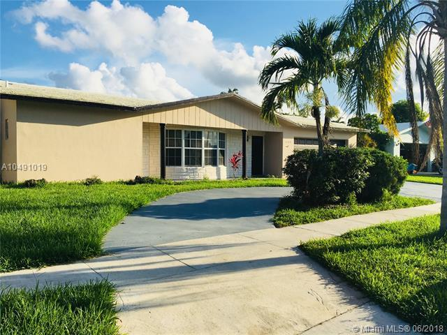 6760 NW 21st St, Margate, FL 33063 (MLS #A10491019) :: Prestige Realty Group