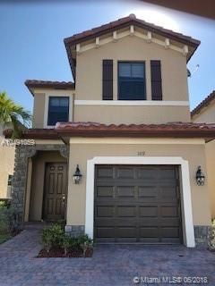 109 NE 37th Pl, Homestead, FL 33033 (MLS #A10491059) :: Prestige Realty Group