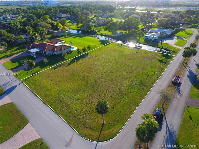 2801 SW 155 Lane, Davie, FL 33331 (MLS #A10491076) :: Green Realty Properties