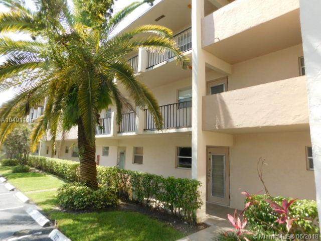 8321 Sands Point Blvd D105, Tamarac, FL 33321 (MLS #A10491196) :: The Riley Smith Group