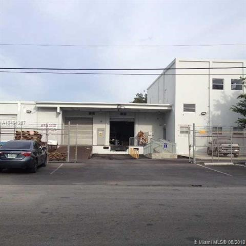4810 NW 35 AV, Miami, FL 33142 (MLS #A10491367) :: Prestige Realty Group