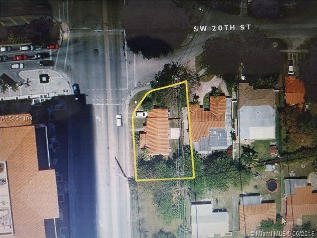 2001 SW 37th Ave, Miami, FL 33145 (MLS #A10491404) :: Prestige Realty Group