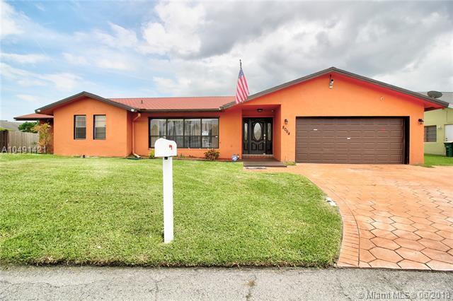 8064 NW 72nd St, Tamarac, FL 33321 (MLS #A10491421) :: Prestige Realty Group