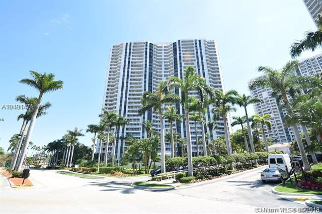 21205 Yacht Club Dr #2401, Aventura, FL 33180 (MLS #A10491471) :: Green Realty Properties