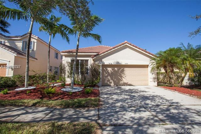 1695 Winterberry Ln, Weston, FL 33327 (MLS #A10491527) :: The Teri Arbogast Team at Keller Williams Partners SW