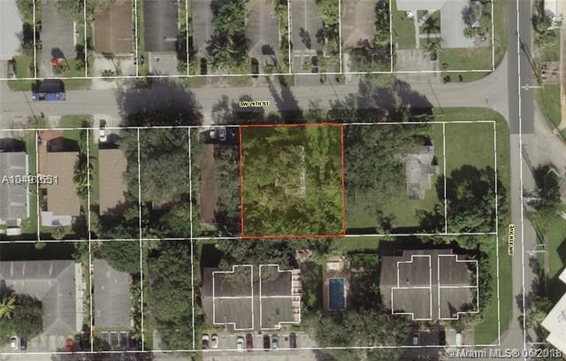 812 SW 29th St, Fort Lauderdale, FL 33315 (MLS #A10491651) :: Laurie Finkelstein Reader Team