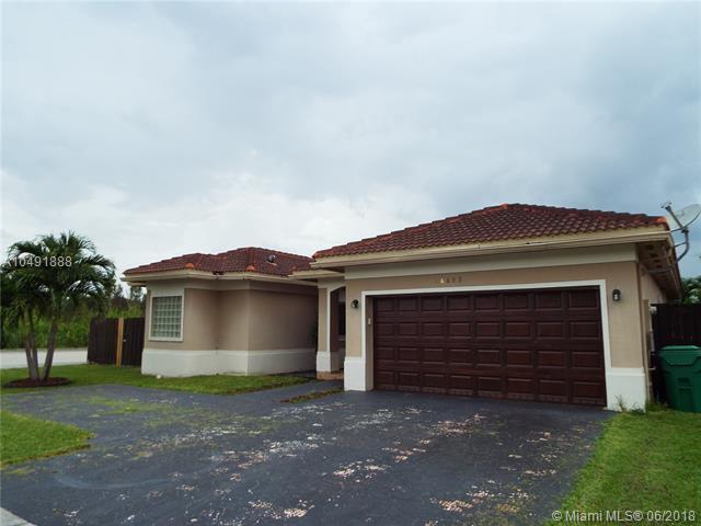 16693 SW 54th St, Miami, FL 33185 (MLS #A10491888) :: Green Realty Properties