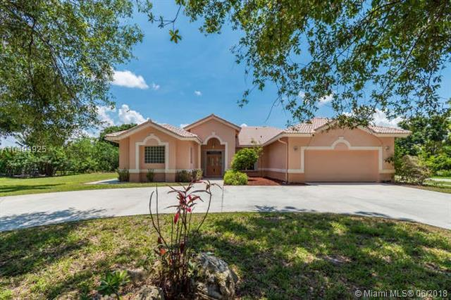 8410 N Mizzen Dr, Boynton Beach, FL 33472 (MLS #A10491925) :: Green Realty Properties