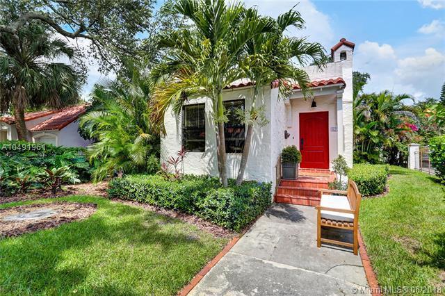 820 Cortez Street, Coral Gables, FL 33134 (MLS #A10491961) :: Prestige Realty Group