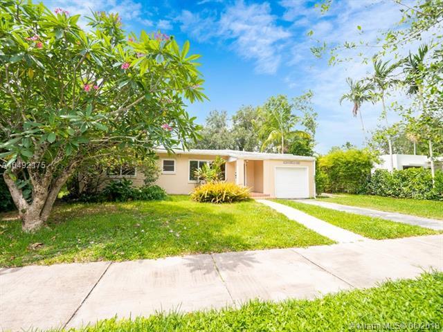 316 Candia Ave, Coral Gables, FL 33134 (MLS #A10492175) :: Carole Smith Real Estate Team