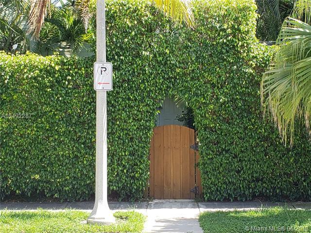 619 Palm St, West Palm Beach, FL 33401 (MLS #A10492287) :: Green Realty Properties