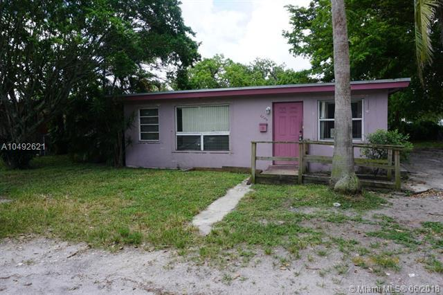 2342 NW 13th St, Fort Lauderdale, FL 33311 (MLS #A10492621) :: The Teri Arbogast Team at Keller Williams Partners SW