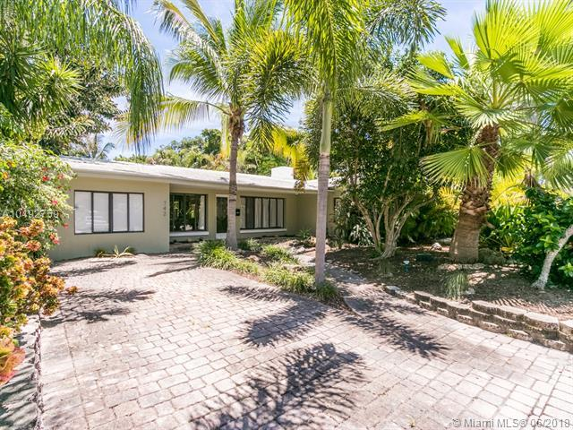 742 NE 17th Ter, Fort Lauderdale, FL 33304 (MLS #A10492759) :: The Riley Smith Group
