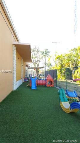 77 Hook Sq, Miami Springs, FL 33166 (MLS #A10492905) :: Hergenrother Realty Group Miami