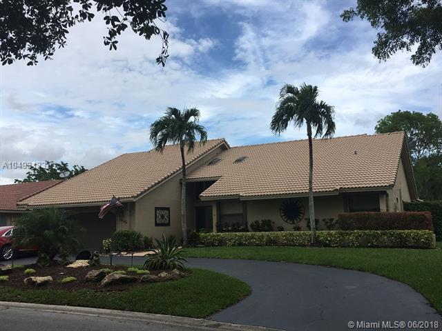 4845 NW 89th Ter, Coral Springs, FL 33067 (MLS #A10493133) :: Green Realty Properties