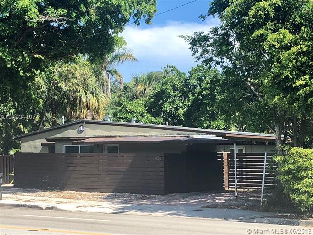 1104 NE 13th St, Fort Lauderdale, FL 33304 (MLS #A10493418) :: The Riley Smith Group