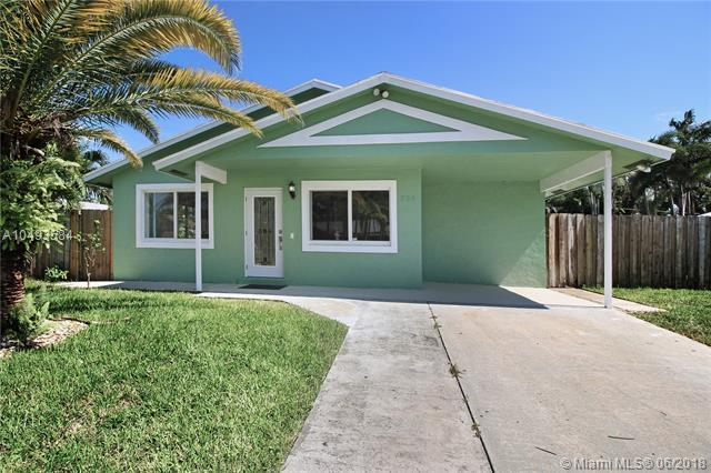 704 NE 9th Ave, Boynton Beach, FL 33435 (MLS #A10493584) :: Green Realty Properties
