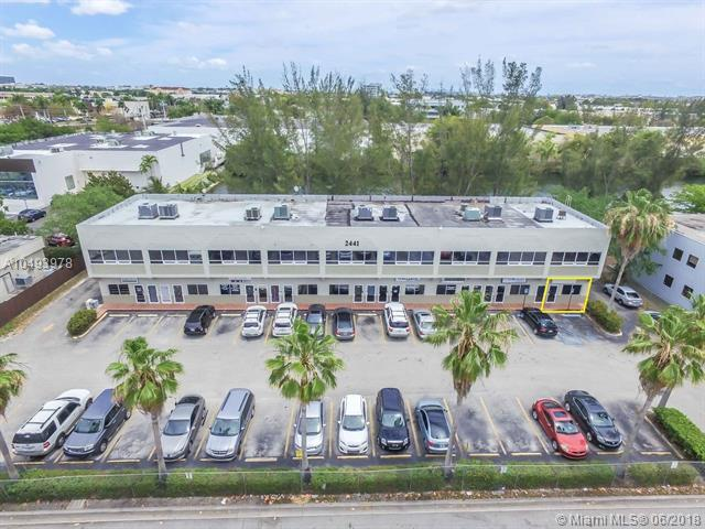 2441 NW 93rd Ave 109A, Doral, FL 33172 (MLS #A10493978) :: The Teri Arbogast Team at Keller Williams Partners SW