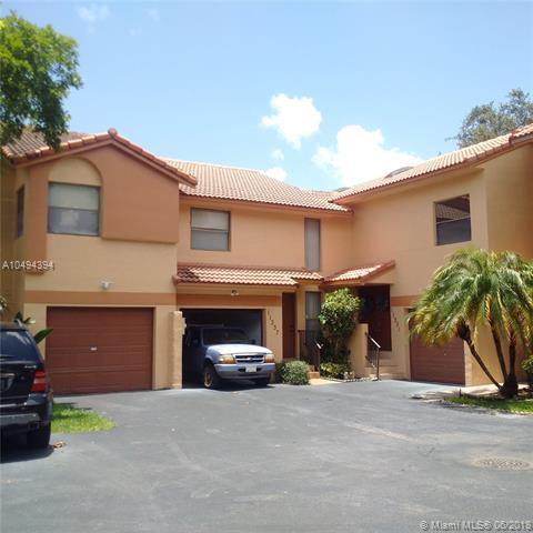 11337 SW 9th Ct #11337, Pembroke Pines, FL 33025 (MLS #A10494394) :: The Teri Arbogast Team at Keller Williams Partners SW