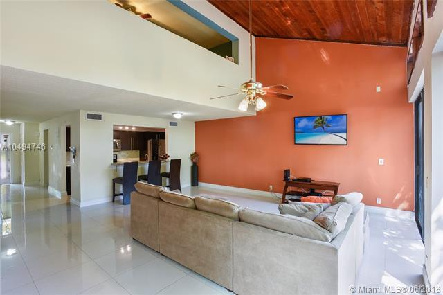 1140 N University Dr #104, Plantation, FL 33322 (MLS #A10494746) :: The Riley Smith Group