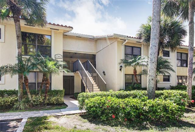 1562 Lake Crystal Dr E, West Palm Beach, FL 33411 (MLS #A10494981) :: Green Realty Properties