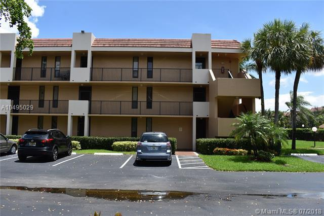 5602 Coral Lake Dr #102, Margate, FL 33063 (MLS #A10495029) :: The Riley Smith Group